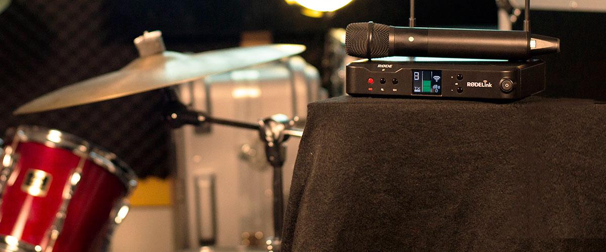 Wireless microphones components